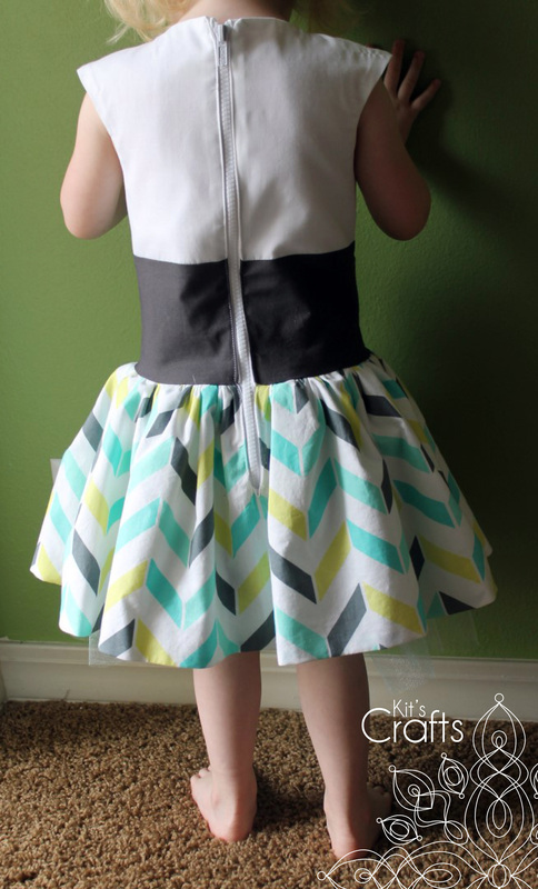 Kit's Crafts - Tuxedo Dress