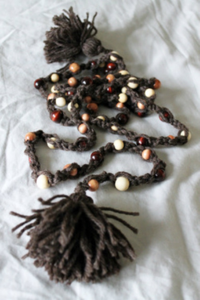 Kit's Crafts - Beaded Macrame Garland
